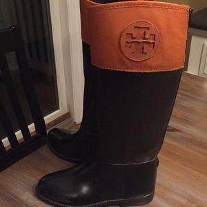 Tory Burch pre-owned authentic rain boots size 7